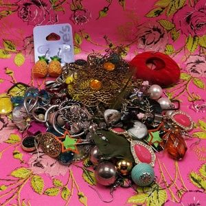 Jewelry - 🌵 HUGE Bundle 25 pairs Mystery grab bag assorted